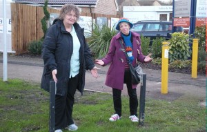 Vanessa McPake and Jenni Ferrans at the missing sign to Bedgebury Place, Kents Kill